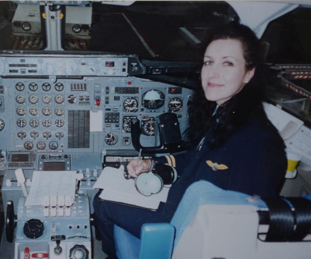 Sarah flying a BAe 146 for AirUK